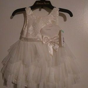 Toddler dress size 18M